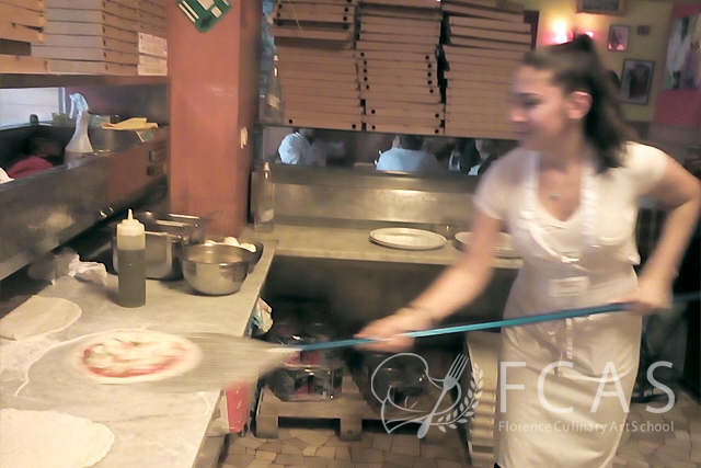"Italian Cuisine Professional Chef Training Course 2016 Fall – Lesson #13 ""Pizza Lesson & Practice at a Well-known Restaurant"""